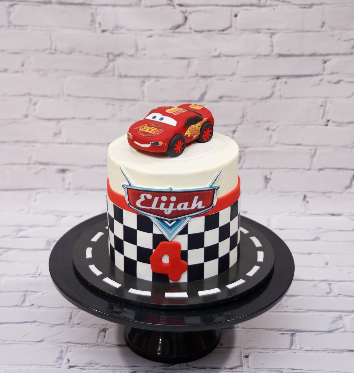 Lightening McQueen Cake 1