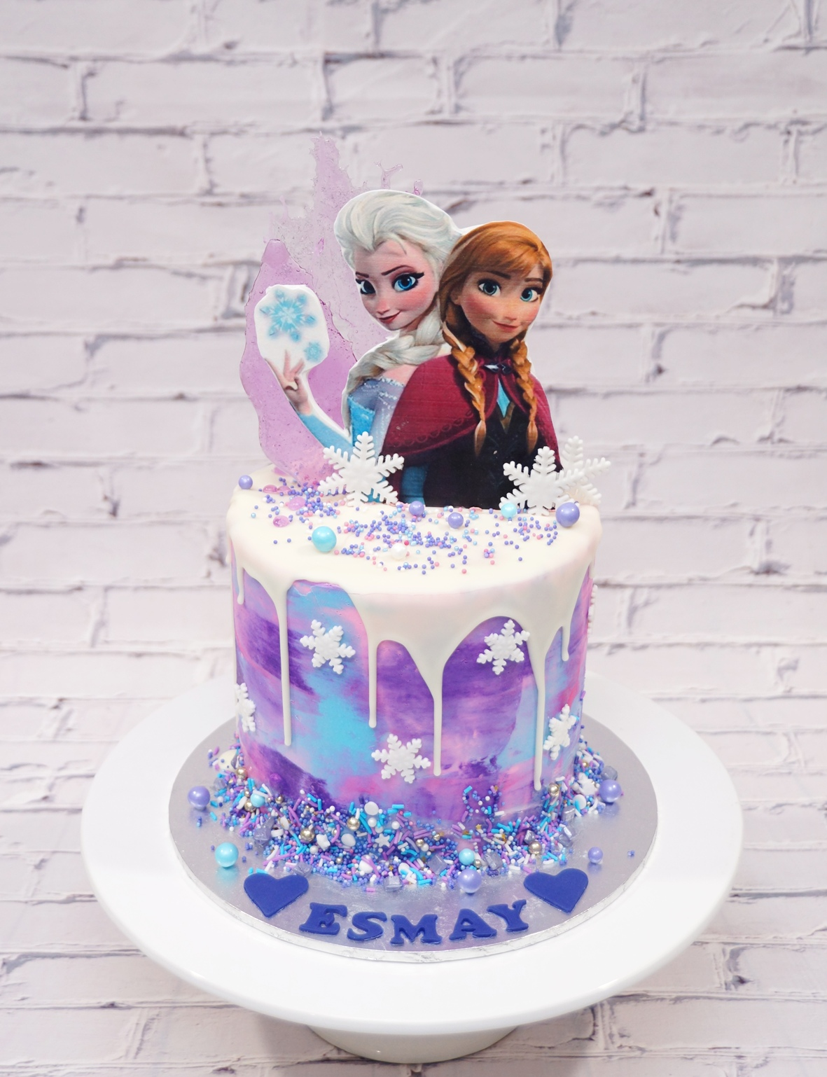 Elsa & Anna Frozen Cake 1