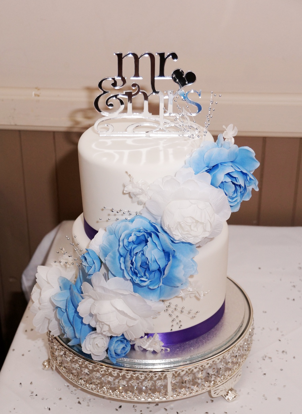 White fondant with blue and purple highl