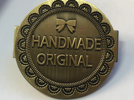How to attach a handmade bag badge