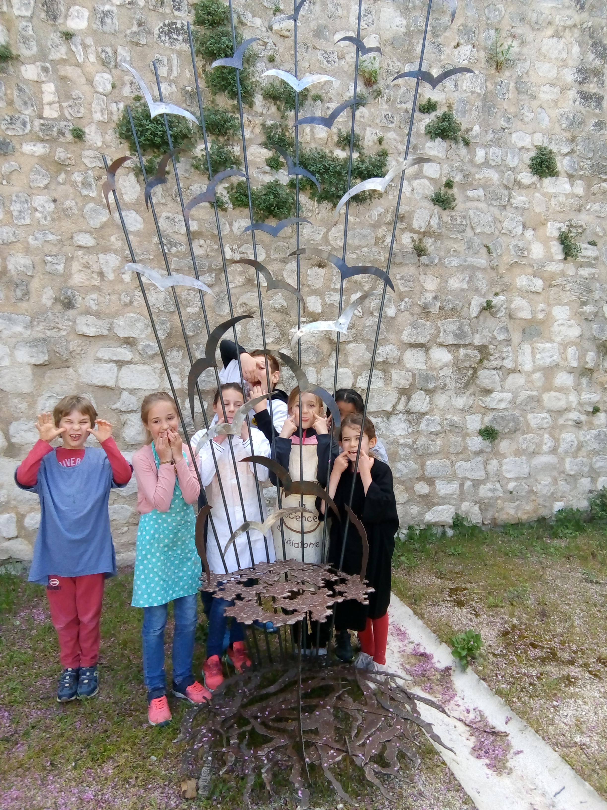 Petits élèves-potiers et Fauteuil des fé