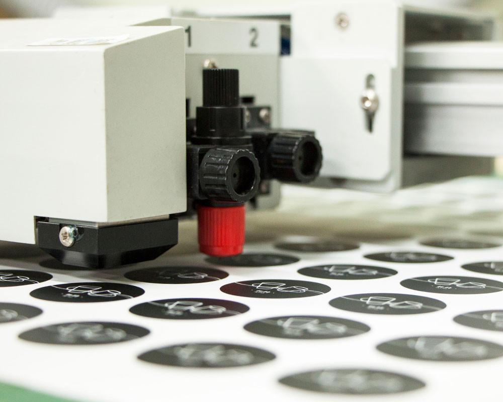 デジタル印刷サービス | 少量カット成形