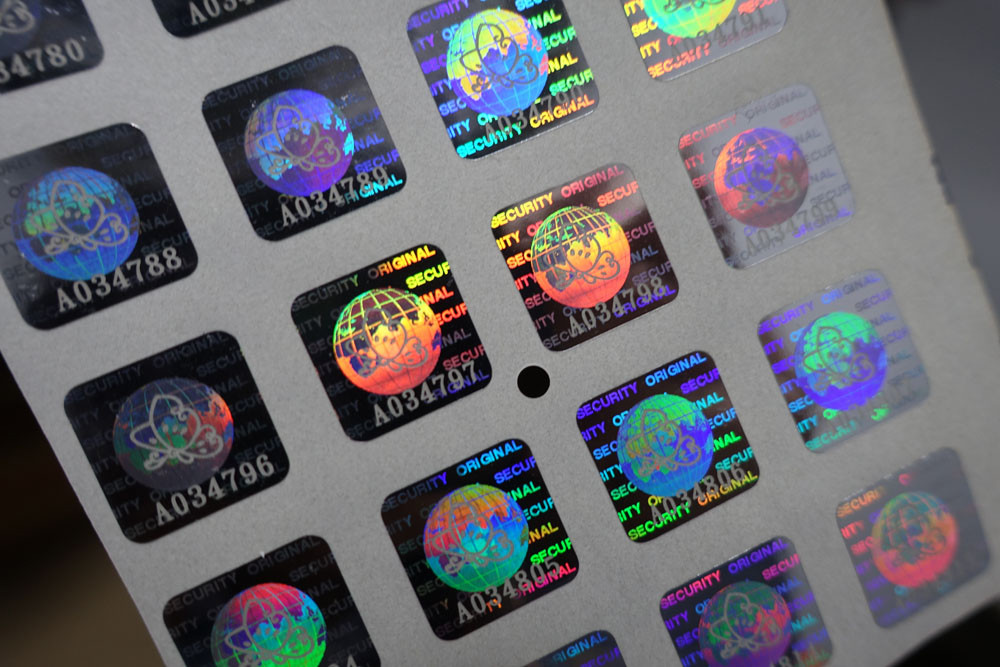 Hollow holographic anti-counterfeiting labels.