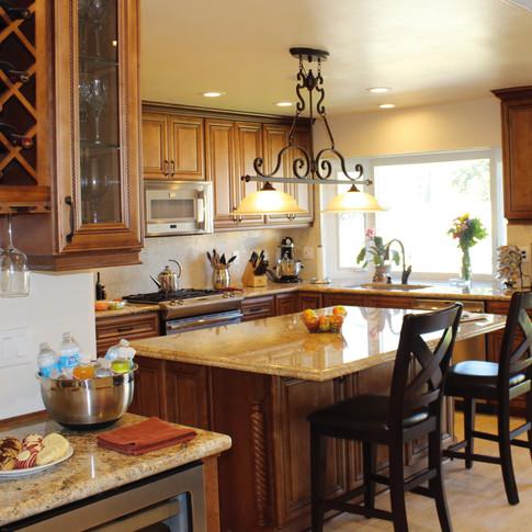 Classic Wood Kitchen Cabinets