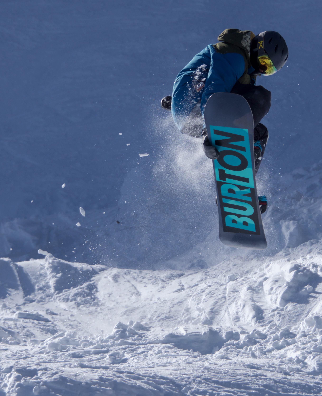 Snowboarder Burton Product