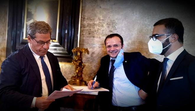 """De Luca a Miccichè: """" u babbiu finiu"""". A febbraio dimissioni da Sindaco per mandare a casa Musumeci"""