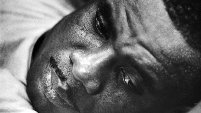sonny-liston-gettyimages-157457655-e1483