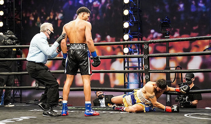 morrell-gavronski-fight (2).jpg