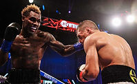 Charlo-vs.-Dereveyanhenko-action-shot-77