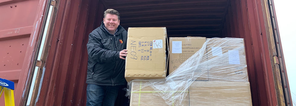 Dean Russell MP Watford unloading boxes