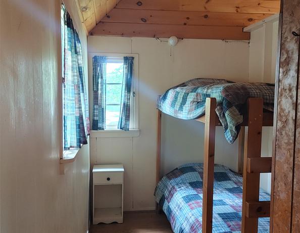 Cottage 2 - twin bunk beds bedroom