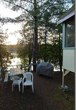 Cottage 1 Screened in Porch & BBQ area