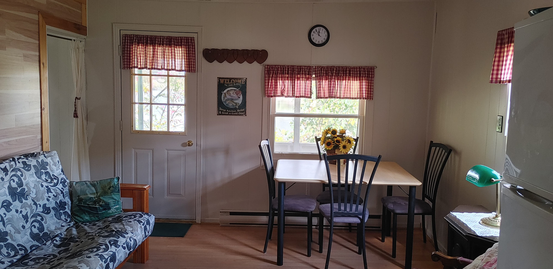 cottage 3e.jpg