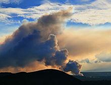 Vog_from_Sulfur_dioxide_emissions.jpg