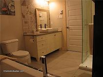 Chaet Équinox chambre de bain et douche