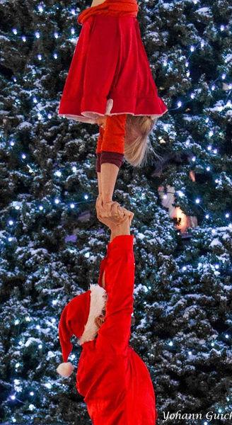 Christmas Hand2hand