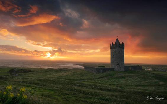Doonagore Castle, Doolin.jpg