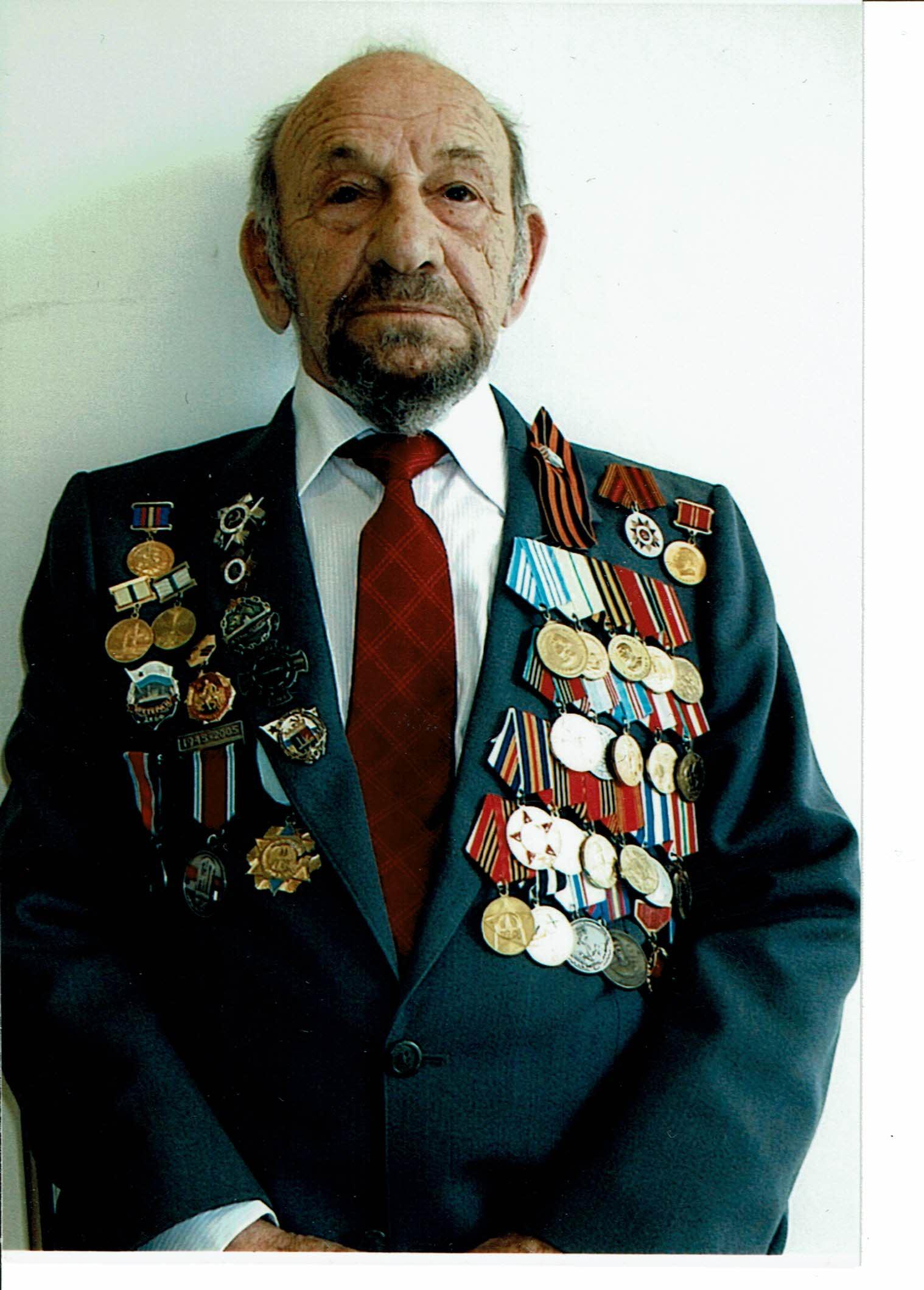 מיכאל זולוטריוב