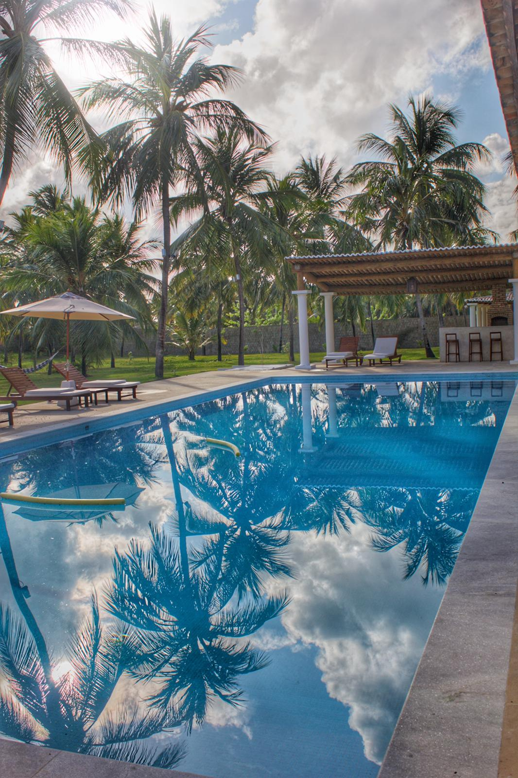 A Villa Canta Vento tem a possibilidade de alugar a casa para 10 pessoas mais 4 crianças ou bangalos