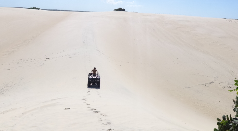 Reserve conosco os passeios de buggy e quadriciclo nas dunas, praias, rios, lagoas =)