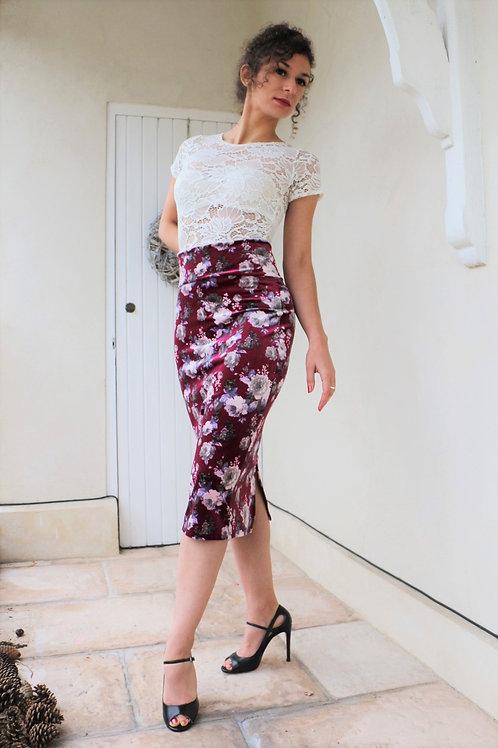 Camelia Uva Outfit