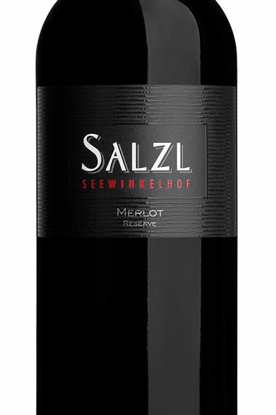 Merlot fra Salzl Seewinkelhof, Østrig. Rødvin.