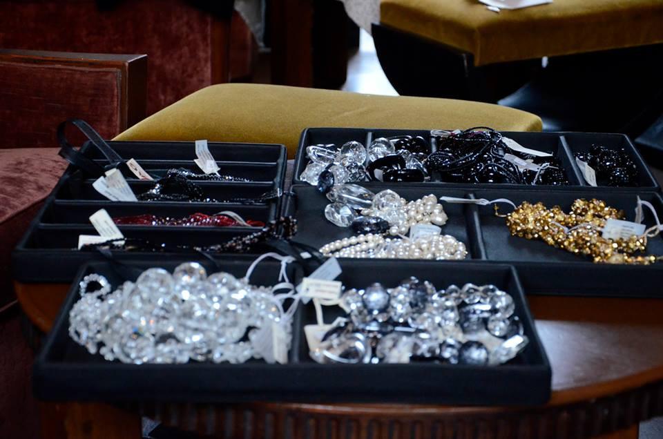 servizio fotografico per viamontenapoleone, adriana galli bijoux, mde in italy (3).jpg