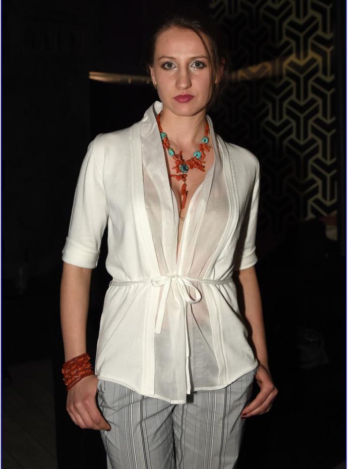 modellami 21 aprile, servizio fotografico, collane, bracciali, orecchii, colori diversi per ogni esigenza (43).JPG