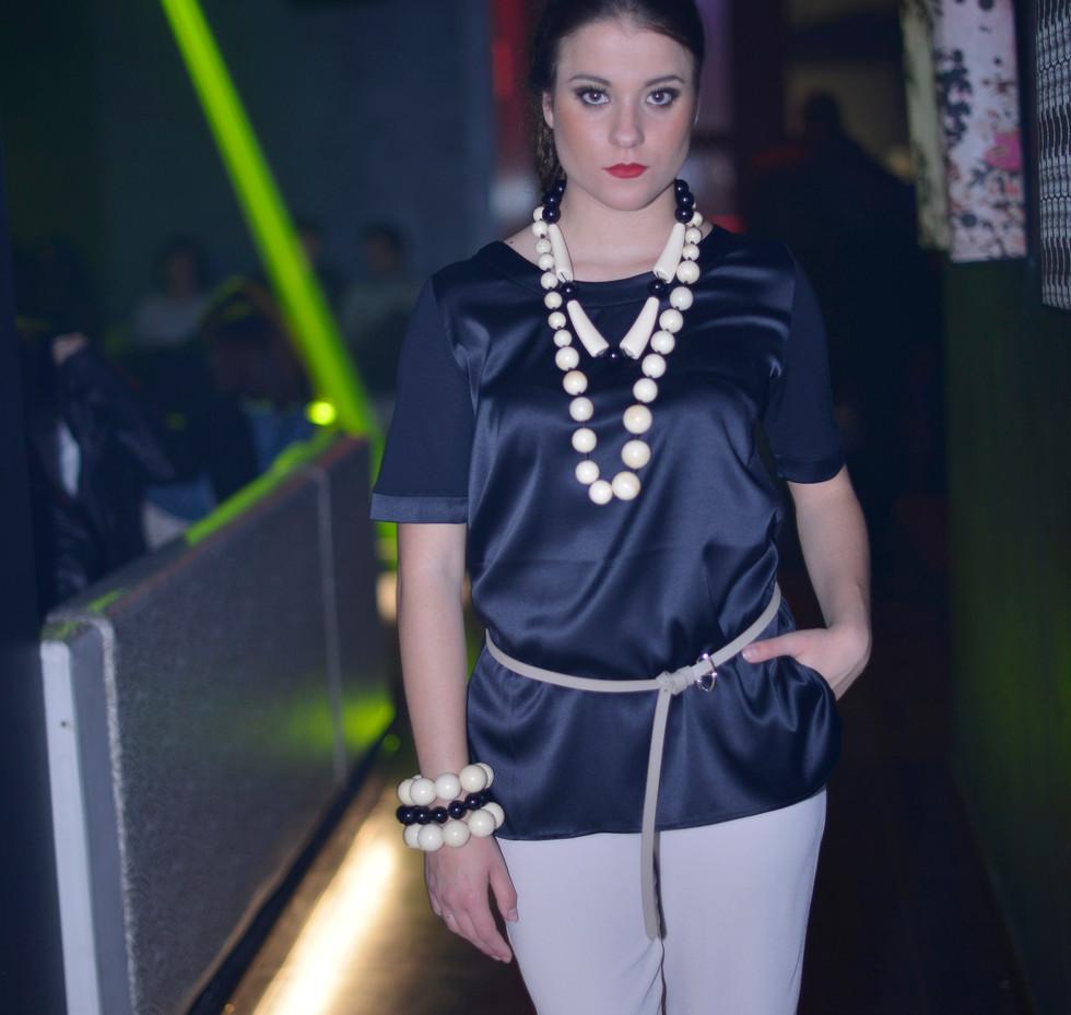 modellami 21 aprile, servizio fotografico, collane, bracciali, orecchii, colori diversi per ogni esigenza (53).jpg