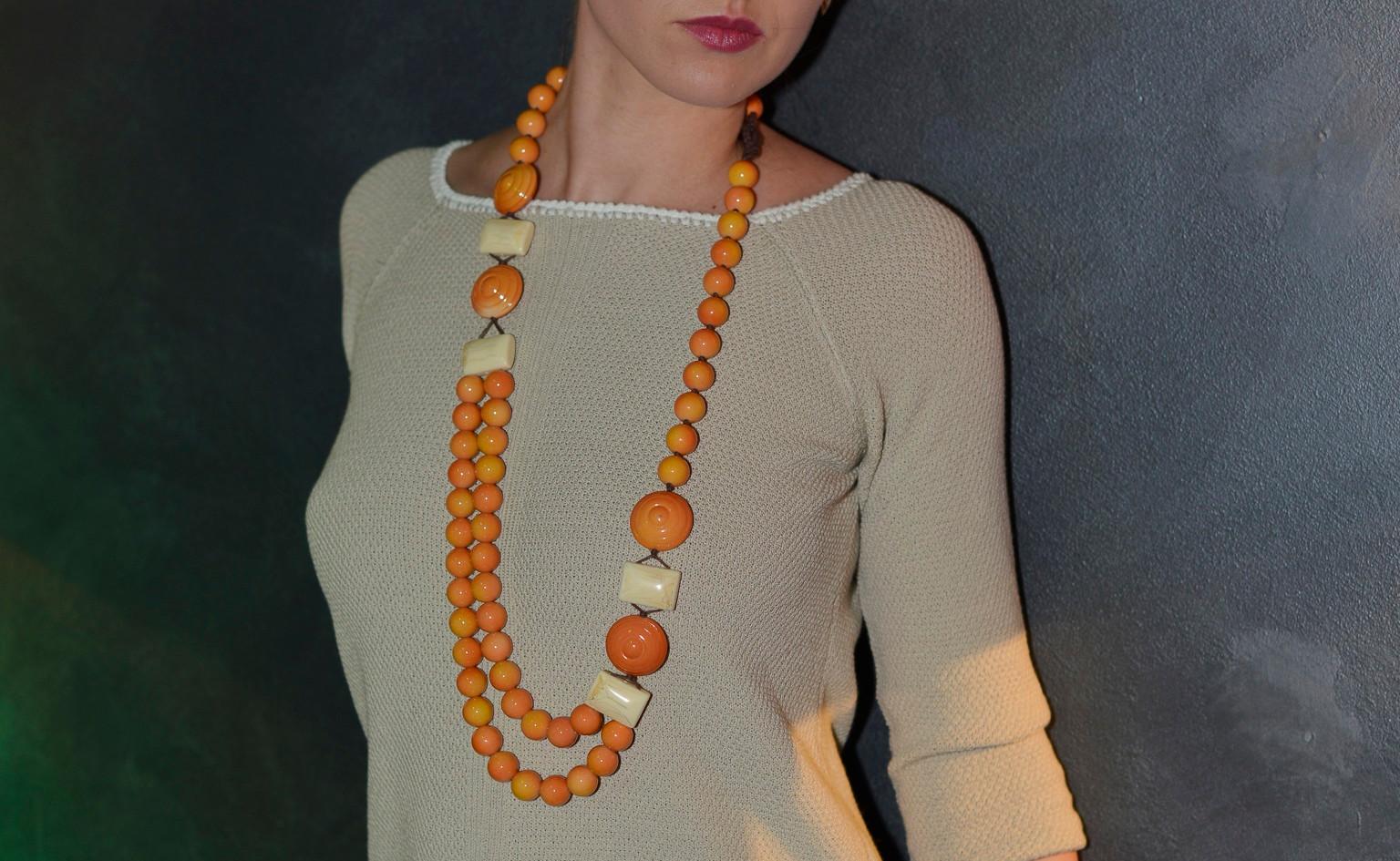 modellami 21 aprile, servizio fotografico, collane, bracciali, orecchii, colori diversi per ogni esigenza (34).jpg