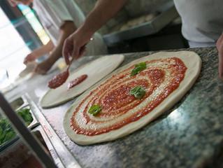 Pizzeria Trianon: da quasi 100 anni la vera pizza napoletana è qui