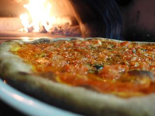 La pizza napoletana è patrimonio dell'umanità: risorge il mestiere del pizzaiolo