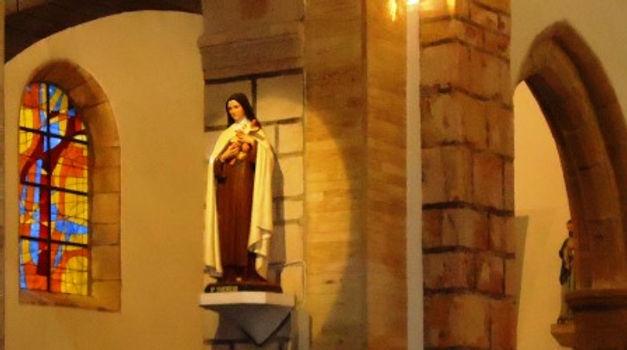 Intérieur de l'église.JPG