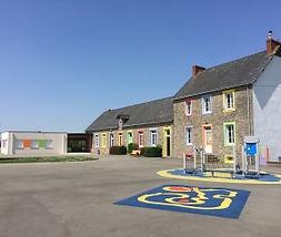 école Sainte Thérèse à Saint Cry.jpg