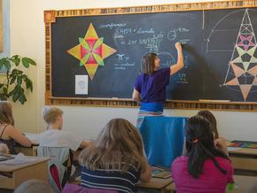 वाल्डोर्फ शिक्षा क्या है और बच्चों के लिए इसके लाभ