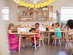 Montessori Education and Its Pros & Cons for Children