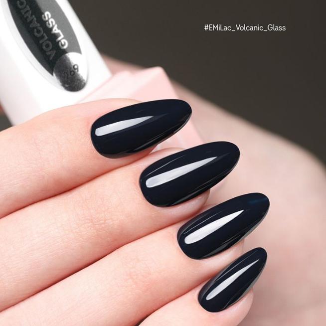Gel-Manicure mit Verlängerung