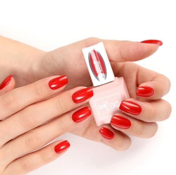 Gellack-Manicure mit Verstärkung