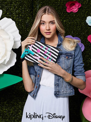 Kipling Disney Alice Wonderland Beauty 9