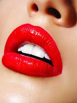 Beauty Macro Lips 9x12 100.jpg