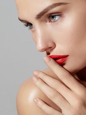 Bazaar Elena Beauty Red Lips 9 x 12 100.