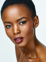 Flaviana Makeup 9x12 100.jpg