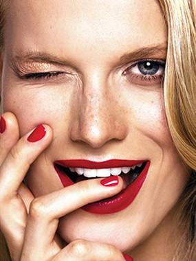 Beauty Face Red Lips 9x12 100.jpg