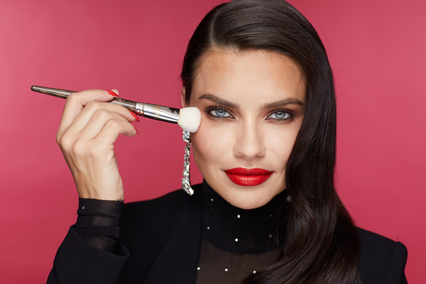 P190711_Maybelline_GMR-Holiday_Final_H8A