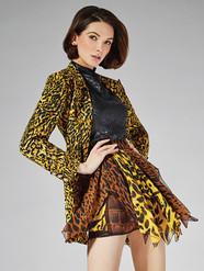 Versace Nadya Side Print 9x12 100.jpg