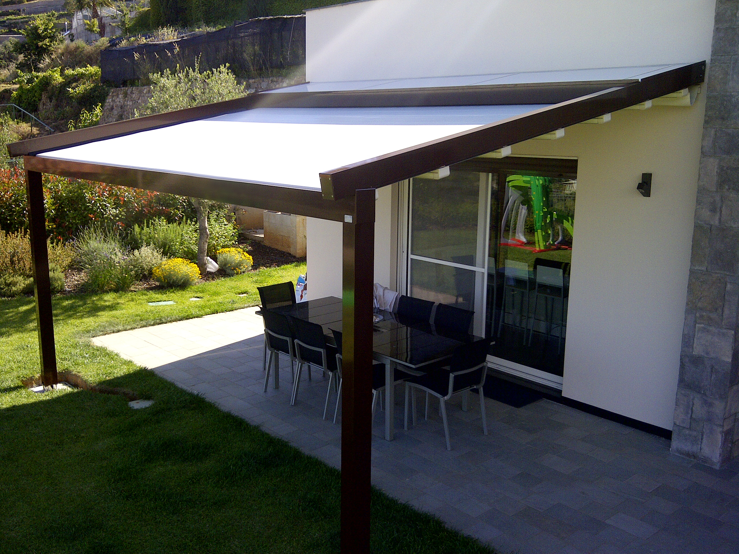 Gennius Retractable Roof System