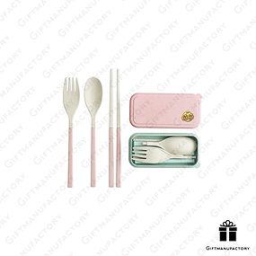 ชุดช้อนส้อมรักษ์โลก Eco-friendly Cutlery set ของพรีเมี่ยมรักษ์โลก สั่งทำชุดช้อนส้อมฟางข้าวสาลี ของพรีเมี่ยม ของพรีเมียม