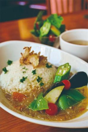 ごろっと自家菜園野菜のカレー Spicy curry with Organic vegetables