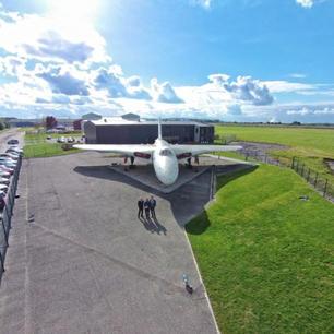 Avro-Handover-4-500x500.jpg