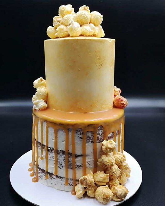 Last cake of the year 2018 #bespoke mini